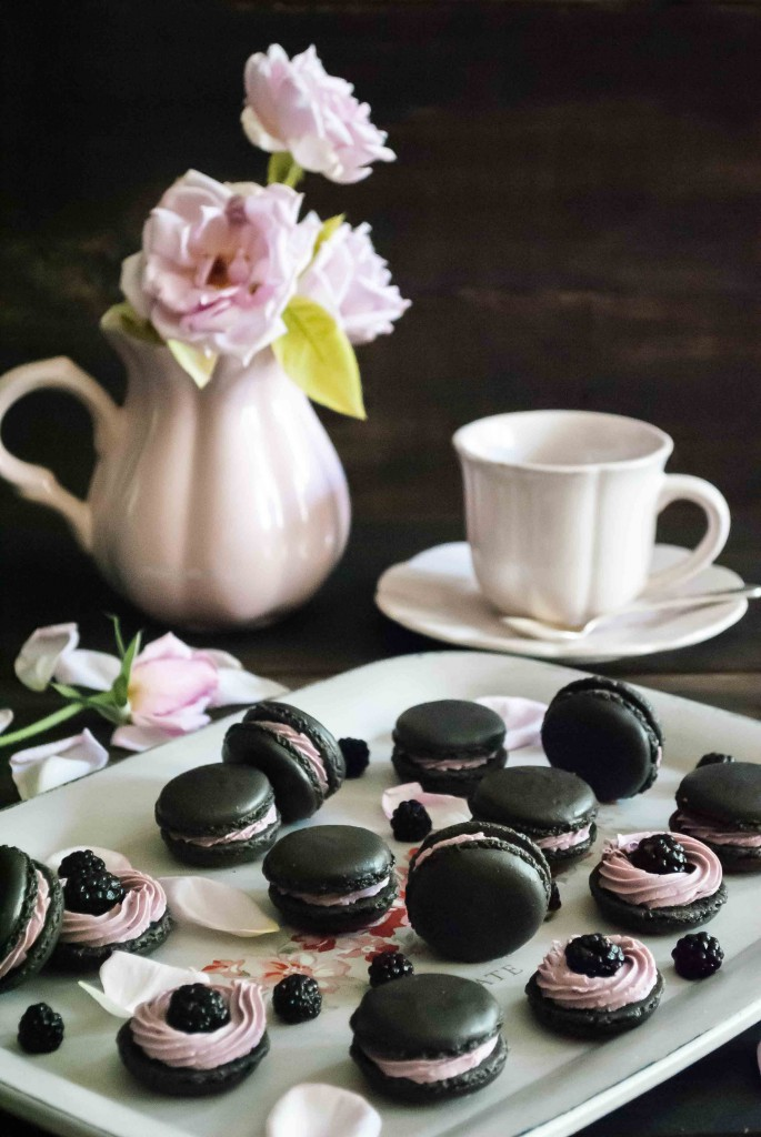 Macarons de Chocolate y Ganache de Moras Paso a Paso 6