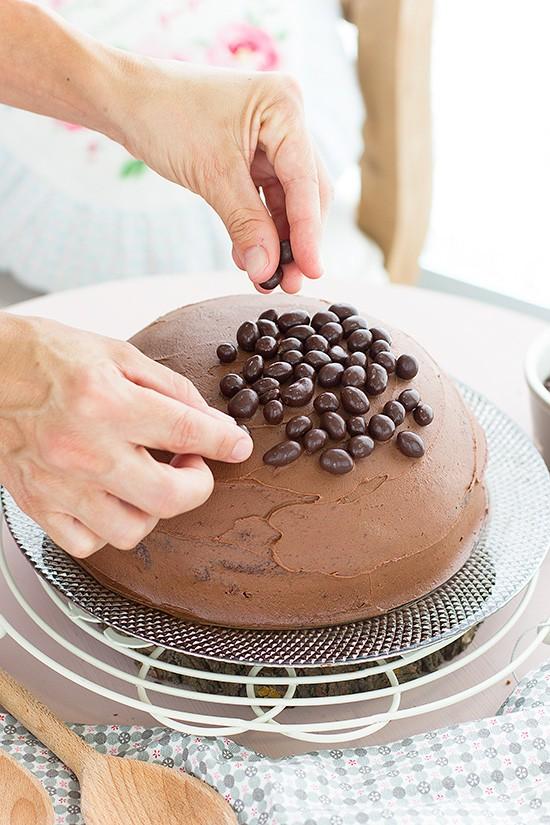 paso-a-paso-tarta-de-chocolate-piñata-