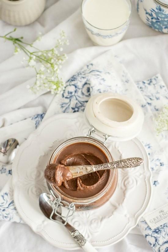 Crema de chocolate y avellanas casera 4