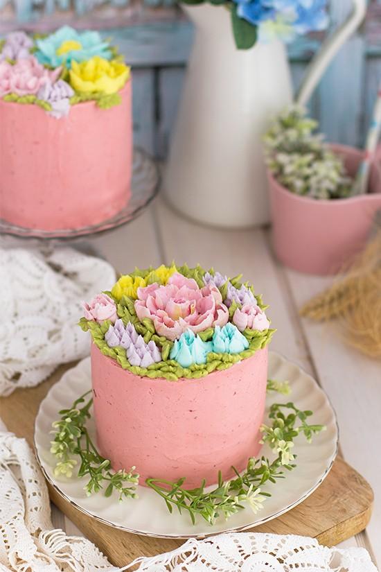 Tarta De Crema Y Fresas {Como Usar Las Boquillas Rusas}