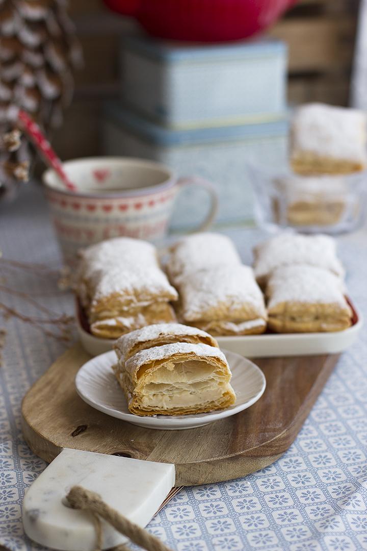 Miguelitos rellenos de crema pastelera express
