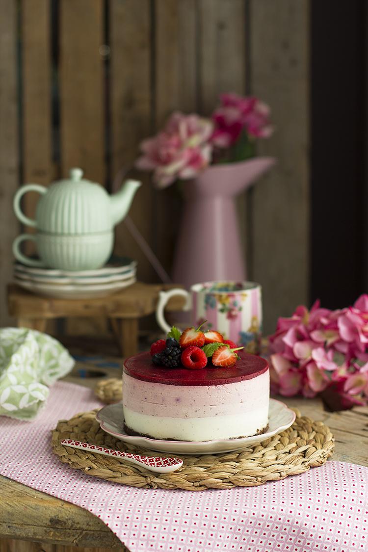 Cheesecake de Frutos Rojos Saludable fácil y rica