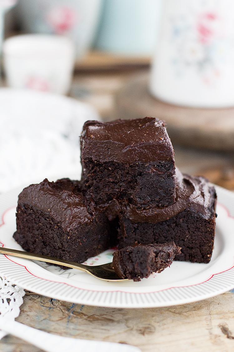 Brownie de Aguacate y coco con nutella casera receta fácil