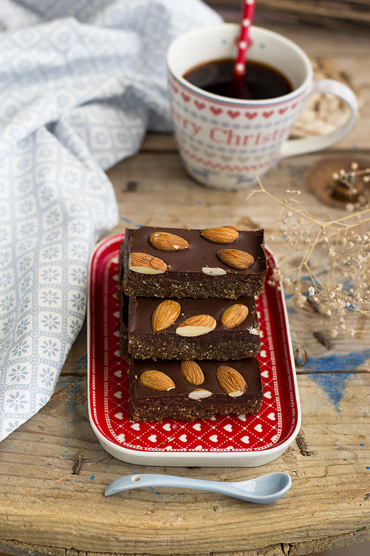 Turrón saludable de frutos secos y chocolate la mejor opción navideña