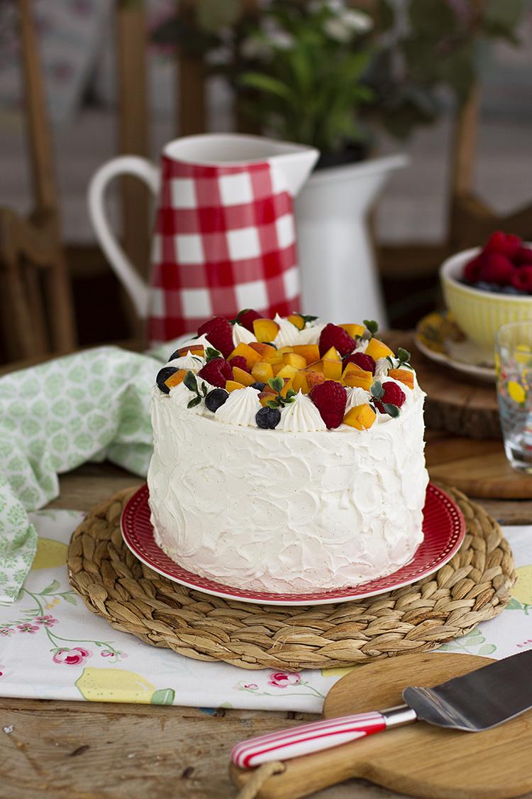 Tarta de Vainilla Melocotón y Frambuesa deliciosa para celebraciónes