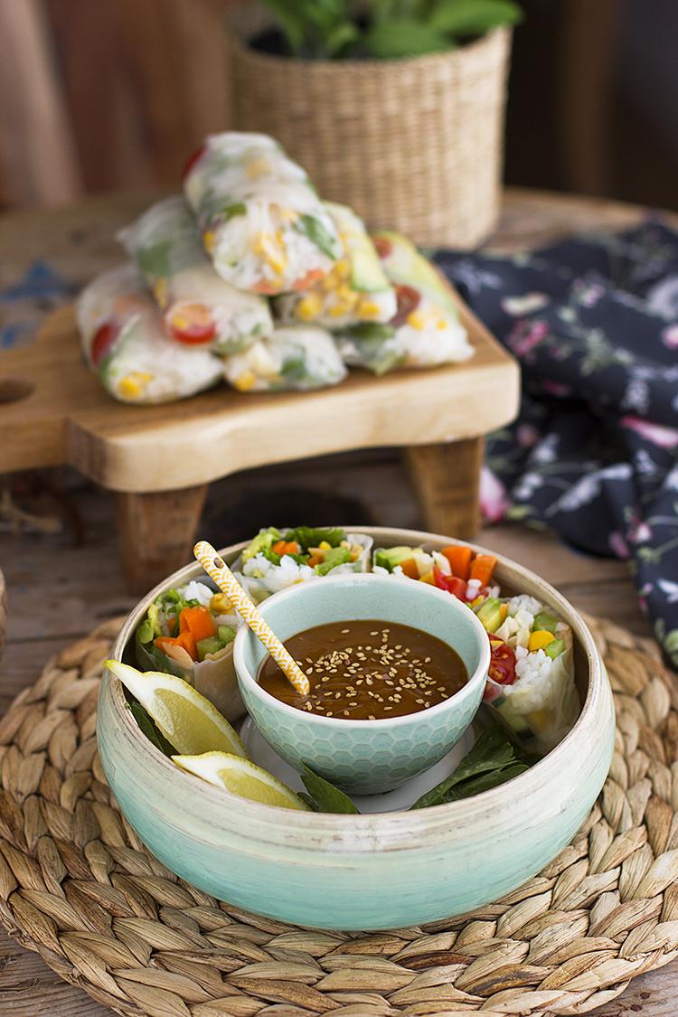 Rollitos Vietnamitas con salsa de cacahuete picante receta saludable