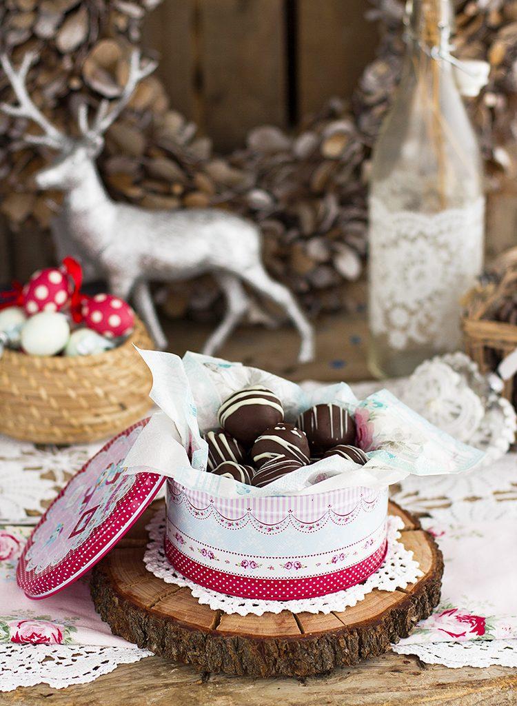 Bolitas De Coco Y Chocolate Con Solo 4 Ingredientes Y Saludables