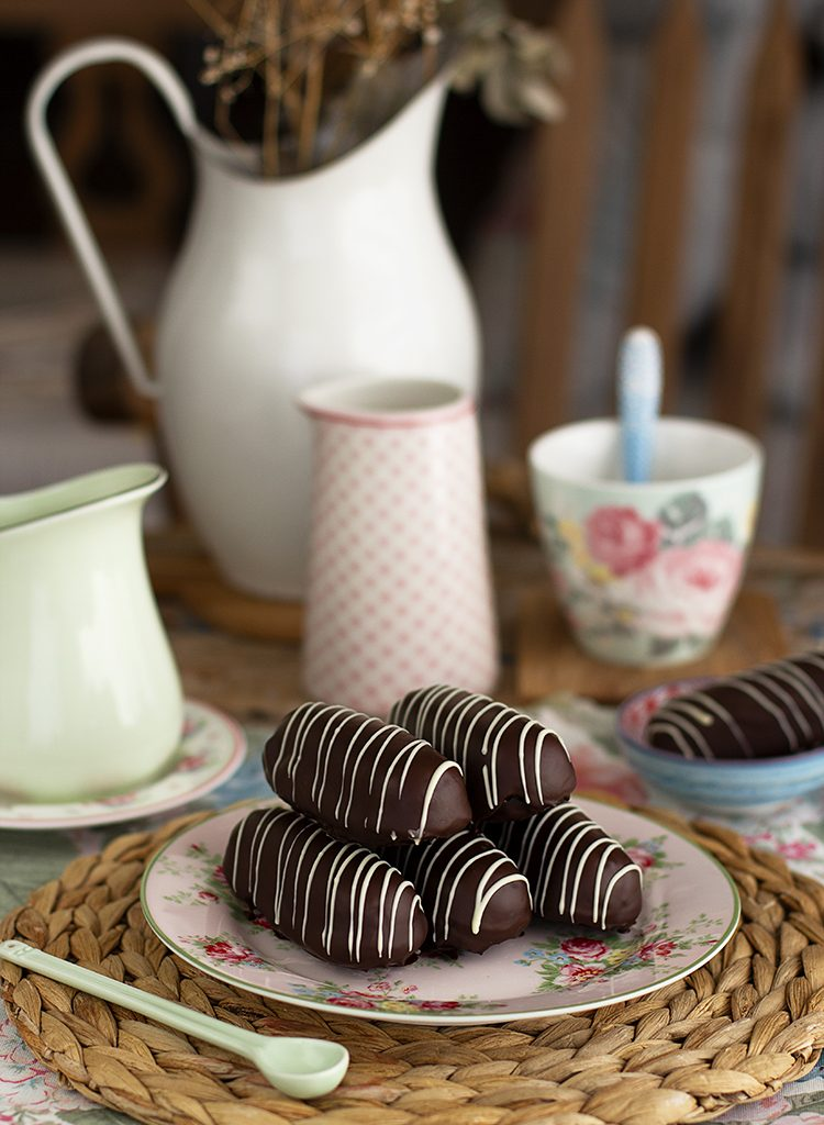 Pantera Negra Bizcochito De Chocolate Relleno De Chocolate